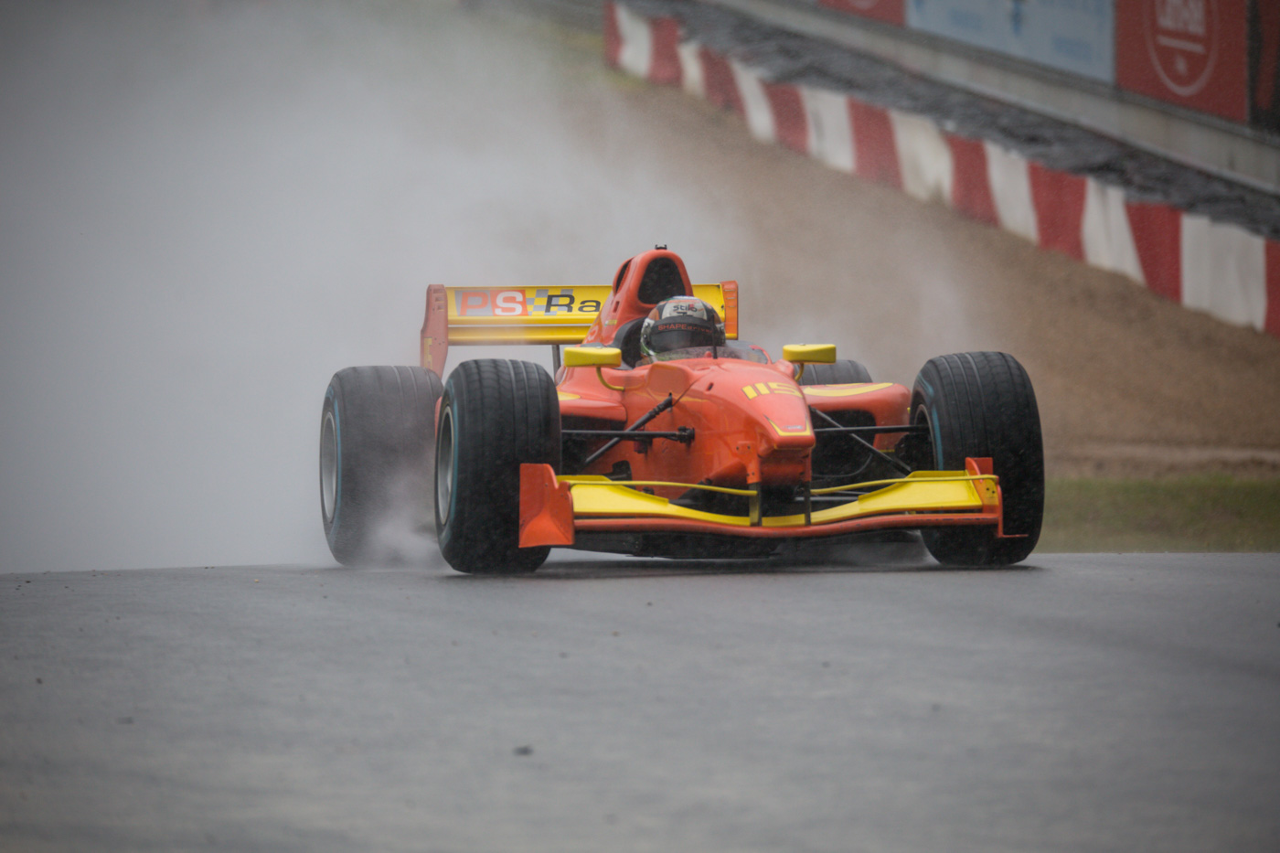 Mahaveer Raghunathan on track by difficult weather conditions at Zolder 2017.