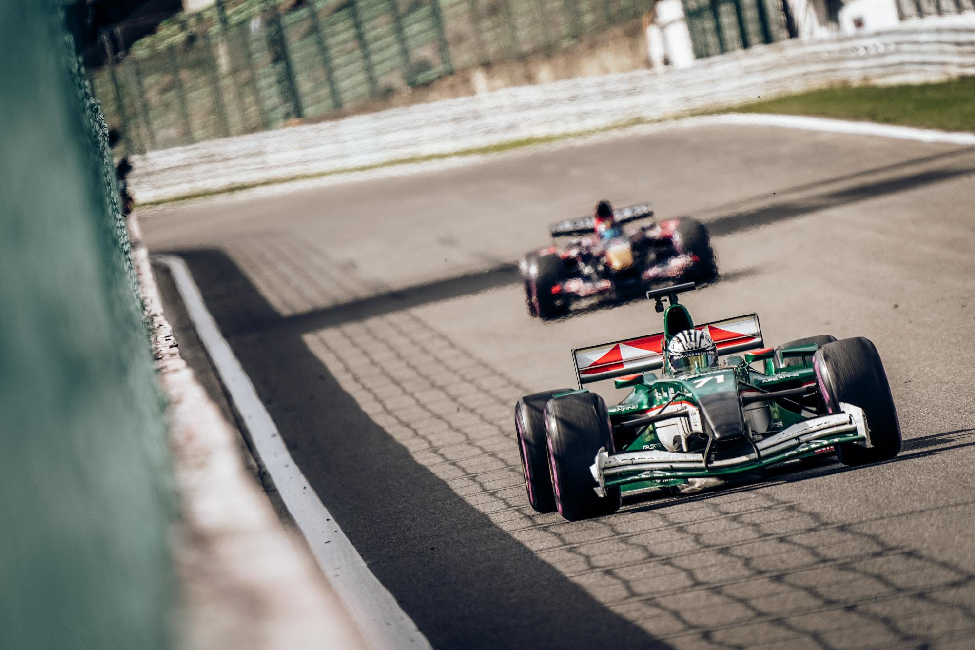 Ingo Gerstl is chasing Riccardo Ponzio for the lead